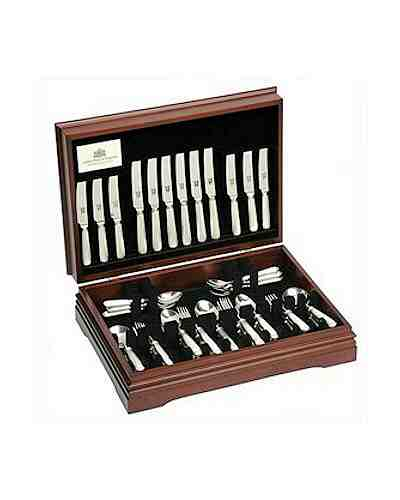 44 Piece Set In Canteen - APOE Sov. Silver Plate Panel Reed